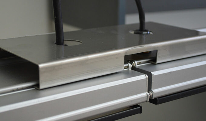 Heatstrip end-to-end muurbeugel